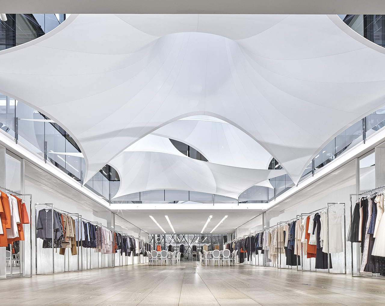 Architecture textile chez dior for Architecture textile