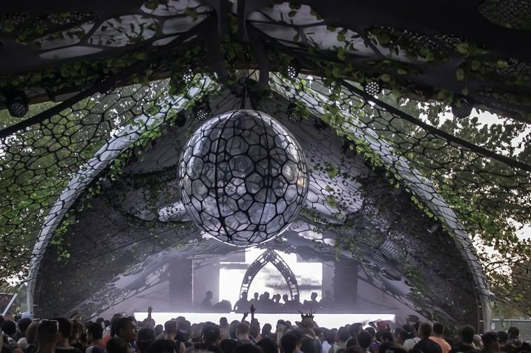 decoration-evenementiel-lycra-tissu-extensible-toile-tendue-velum-zing-installations-ants-ny2