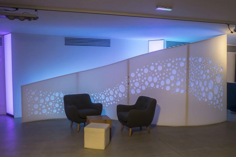 Decoration-evenementiel-lycra-tissu-extensible-toile-tendue-velum-Zing-Installations-Vagues2
