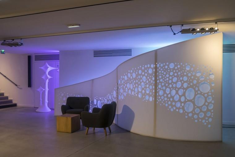 Decoration-evenementiel-lycra-tissu-extensible-toile-tendue-velum-Zing-Installations-Vagues3